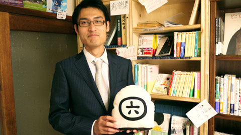 六畳書房 店番 武藤 拓也さん